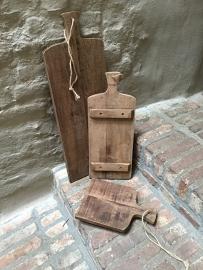 Stoere oude houten broodplank met jute touw 40x 30 cm kaasplank snijplank landelijk
