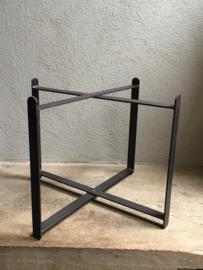 Metalen bijzettafeltje Salontafel randda rond dienblad hoogte 35 cm hoog vintage Randda onderstel landelijk industrieel stoer