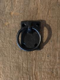 Metalen deurknopje deurknop handvat greep greepje ring gietijzeren gietijzer zwart handgreep