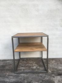 Metalen tafeltje tafel bijzettafel bijzettafeltje nachtkastje houten blad en onderblad landelijk industrieel vintage