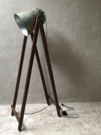 Houten met metalen vloerlamp industrieel landelijk vintage hout