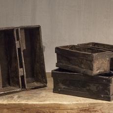 Oud metalen broodmal bakblik vakkenbak dienblad bestekbak landelijk brocant industrieel oud oude gruttersbak