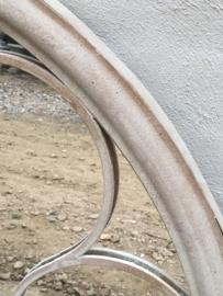 Grote spiegel in metalen stalraam, stalraamspiegel landelijk industrieel kozijn venster grijs beige