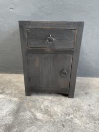 Stoer houten donker Oudzwart grijs zwart bruin industrieel halkastje kastje landelijk kastje kast ladenkast nachtkastjes ladekast nachtkastje nachtkastjes