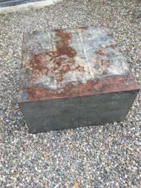 Gave metalen salontafel bijzettafel sokkel zuil blok 80 x 80 x 45 cm zink grijs bruin roest landelijk industrieel urban