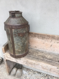 Oude metalen melkbus bak blik pot landelijk boerderij boeren 30 liter