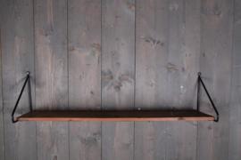 Landelijke houten wandplank met metalen beugels 1 meter 100 cm landelijk industrieel