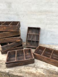 Oer oude houten kratjes krat kratje bak gruttersbak vakkenbak landelijk vintage industrieel urban brocant