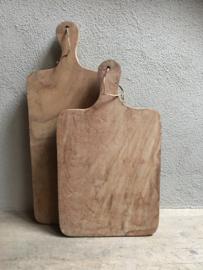 Stoere landelijke grote oude houten broodplank snijplank kaasplank