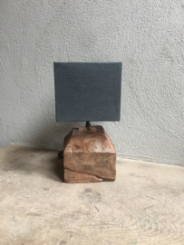 Grof houten poer lampevoet stronk lamp landelijk vintage industrieel vierkant blok hout