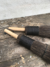 Stoere houten kwast decoratiekwast decoratie kwastje landelijk zwart naturel hout
