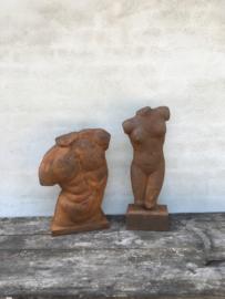 Gietijzeren torso borstbeeld buste man beeld roest roestbruin
