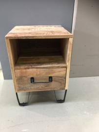 Stoer houten industrieel landelijk kastje kast ladenkast nachtkastje ladekastje nachtkastjes ladekast nachtkastje nachtkastjes
