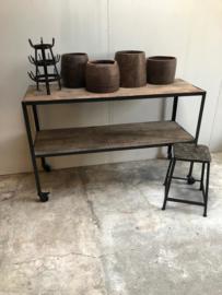 Stoer industrieel metalen rek Sidetable op wielen met houten planken vintage urban landelijk