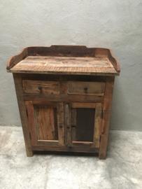 Oud massief zwaar houten kastje kast dressoir met opzetrand sidetable commode wastafel landelijk stoer robuust landelijk