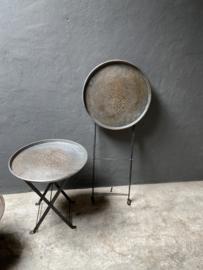 Metalen bijzettafeltje rond dienblad vintage Randda hoge 41 cm hoog model onderstel landelijk industrieel stoer