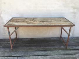 Stoere oude hout houten sidetable buro bureau metalen onderstel klaptafel doorleefd industrieel markttafel landelijk hout metaal