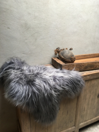 Nieuwe grijze IJsland vacht lange schapenvacht staalgrijs