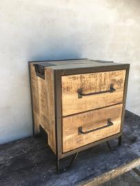 Stoer houten industrieel landelijk kastje kast zwart metaal hout nachtkastjes ladenkast ladenkastje nachtkastjes ladekast nachtkastje nachtkastjes