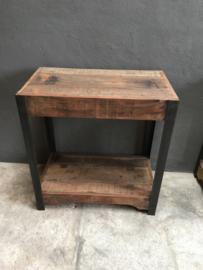 Gaaf meubel kast wandmeubel kastje rek schap  tafel metalen frame houten planken legplanken landelijk stoer vintage industrieel Sidetable haltafel nachtkastjes