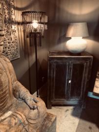 Prachtig hoog zwart oud houten kastje kast 75 x 45 x H105 cm 2 deurskastje landelijk stoer donker grijs antraciet zwart mat