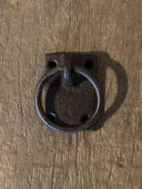 Metalen deurknopje deurknop handvat zwarte zwart greep greepje ring gietijzeren gietijzer bruin handgreep haakje oog