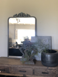 Grote grijs metalen spiegel kuifspiegel landelijk stoer industrieel metaal 109 x 68 cm