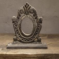 Vergrijsd houten ornament landelijk stoer grijs sober  osseoog oeil de boeuf staand hout