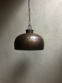 Stoere metalen hanglamp kap bruin metaal stoer robuust industrieel ketel studs oud beslag landelijk fabriekslamp