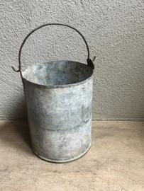 Oud metalen (zinken?) emmer emmertje landelijk brocant industrieel