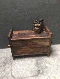 Stoere oude houten kist bankje Himalaya bank kast kastje Sidetable landelijk stoer robuust klepbank kist kistje hout