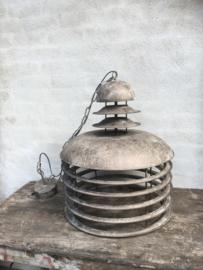 Stoere metalen hanglamp grijs grijsbruin grijze lamp industrieel landelijk vintage stoer metaal fabriekslamp