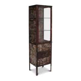 Stoere oud recyclen metalen vitrinekast showkast met lades industrieel urban glas vitrine landelijk industrieel stoer grijsbruin 50 x 40 x 181 cm