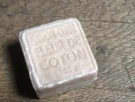 Prachtige decoratieve zeep Coton stoer landelijk sober naturel beige
