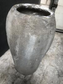 Grote Oude stenen kruik olijfpot olijfkruik vaas pot landelijk stoer grijs