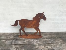 Plaatstaal paard horse pferd pony beeld tuinbeeld tuinornament roest landelijk decoratie tuindecoratie