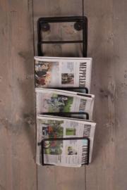 Smeedijzeren wandrek tijdschriftenrek krantenrek tijdschriften rek schap industrieel Wandrek magazine lectuurbak lektuurrek landelijk