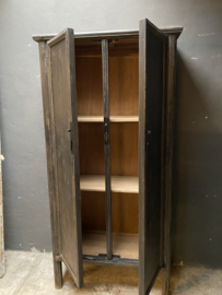 Mooie grote hoge kast  210 x 100 x 42 cm keukenkast zwart hout landelijk stoer industrieel