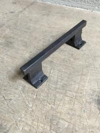 Gietijzeren handgreepje greepje deurknop rail buis strak 20 cm handgreep stang recht handvat bruin landelijk boerengreepje