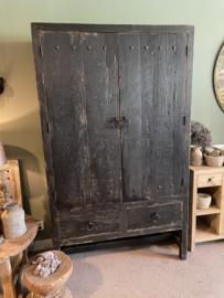 Prachtige oud zwarte houten 2 deuren en 2 laden kast grote kast 220x130x50cm stoer landelijk robuust industrieel