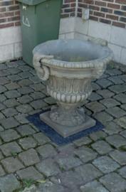 Betonnen tuinvaas pot grote bak bloembak bloempot beton ornament beton