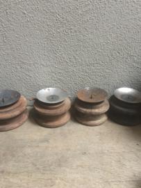 Oude houten doorleefde klos katrol stompkaars kaarsenstandaard kandelaar garen spoel kandelaar voor kaars landelijk doorleefd geleefd