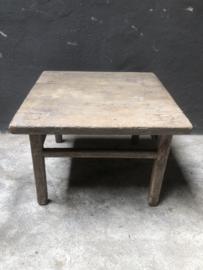 Stoer vergrijsd houten salontafel bijzettafel Salontafeltje Tafeltje Bijzettafeltje landelijk stoer sober