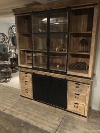 Grote wandkast buffetkast servieskast vitrinekast kast schuifdeuren lades landelijk industrieel vintage hout metaal