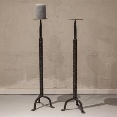 Zware smeedijzeren kandelaar vloerkandelaar industrieel landelijks stoer zwart bruin vintage L hoogte 92 cm