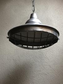Stoere grote zinken metalen hanglamp L large groot korf fabriekslamp rond 42 cm industrieel landelijk stoer vintage