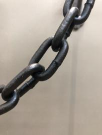Stevige metalen ketting met haak landelijk zwart zwarte industrieel