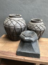 Zwarte oud houten poer kandelaar stompkaars landelijk stoer vintage industrieel robuust