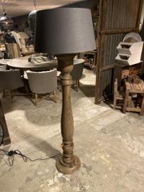 Stoere grote houten balusterlamp stoer industrieel ballusterlamp vloerlamp 125 cm vloerlamp staande lamp naturel  landelijk stoer robuust