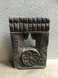 Oud houten antieke tempellijstje tempellijst antiek ornament  Nepal Hoffz landelijk stoer oud hout